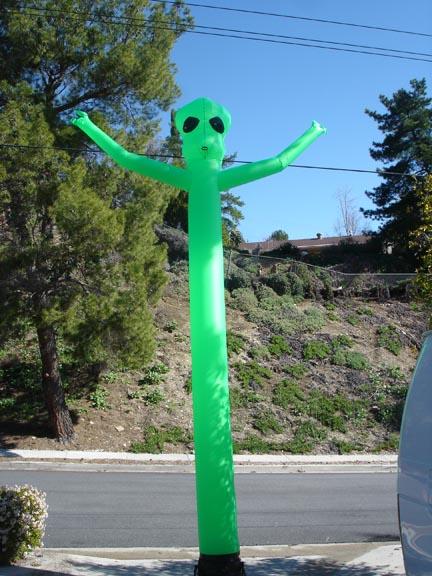 alien 20' airpuppet green